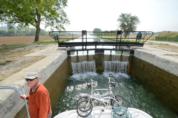2012-09-04_171 in the lock with bikes and jim RESIZE