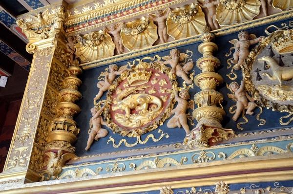 2012-09-16_686 blois chateau interior detail RESIZE