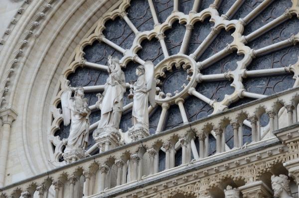 2012-09-25_92 paris notre dame statues RESIZE