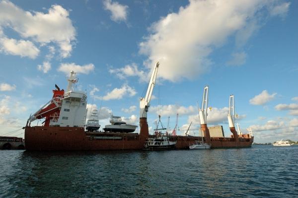 20130417 11 eurogracht lifting adventures wide_01