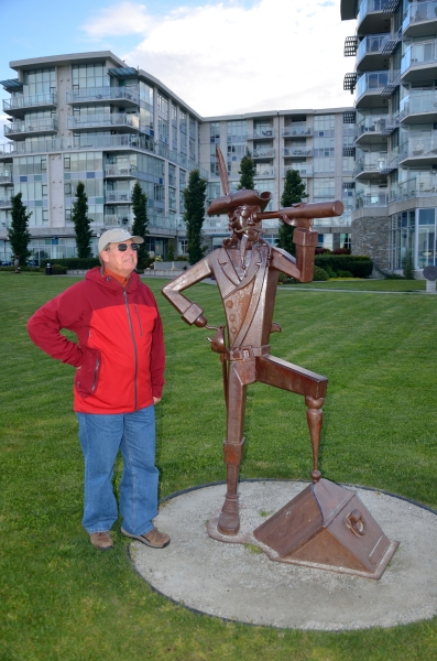 20130525 1036 sidney jim and pirate statue_01