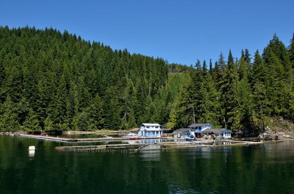20130730 3064 cordero lodge floathouse_01