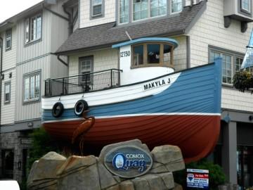 20130830 4459 comox boat balcony RESIZE