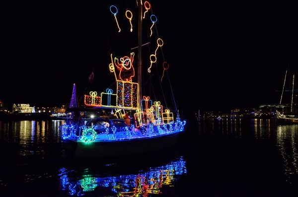 20131207 5366 victoria boat parade best boat_01
