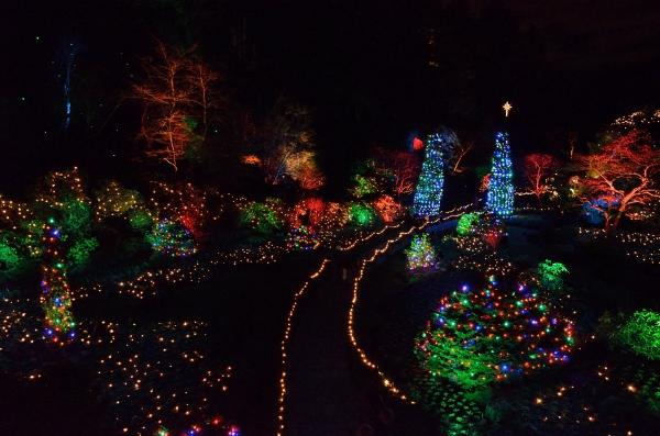 20131218 5448 christmas butchart sunken garden lit up_01