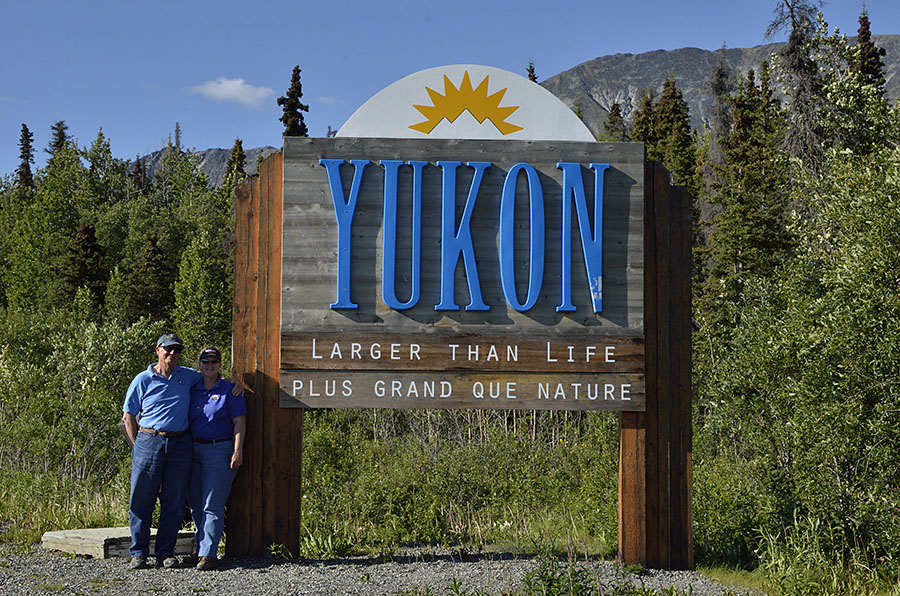 20140722 749 us at yukon sign psr