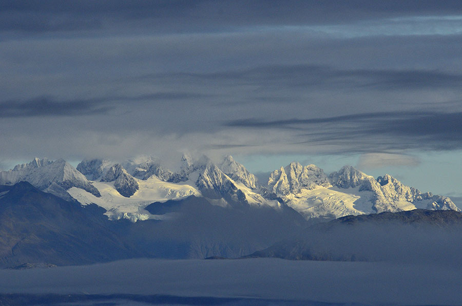 20140923 3166 gbnp snow capped mtns 1 r