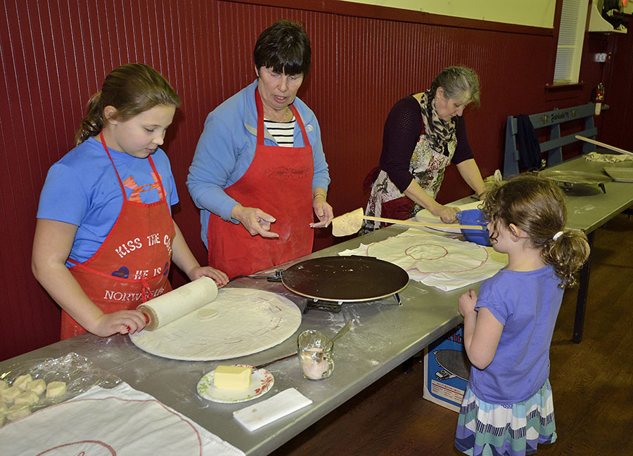 20150208 4275 young lefse helpers 2 r