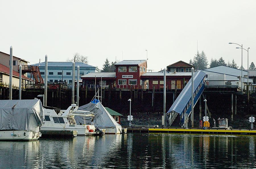 20150221 4368 petersburg harbor office and ramp low tide r