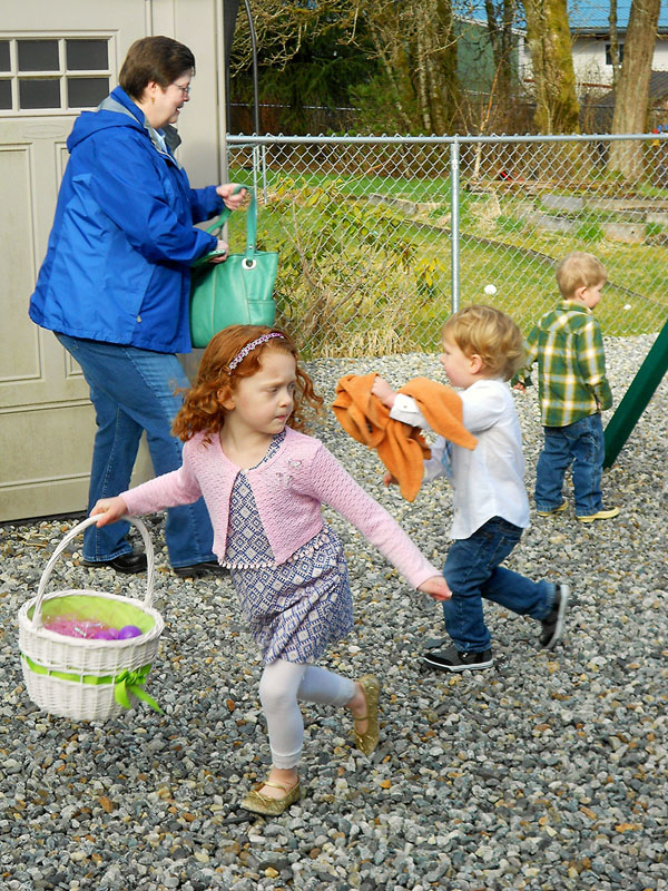 20150405 4621 easter egg hunters r