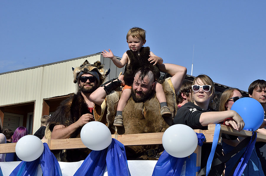 20150515 5398 parade littlest viking r