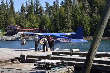 20150609 6292 point baker seaplane arrival r