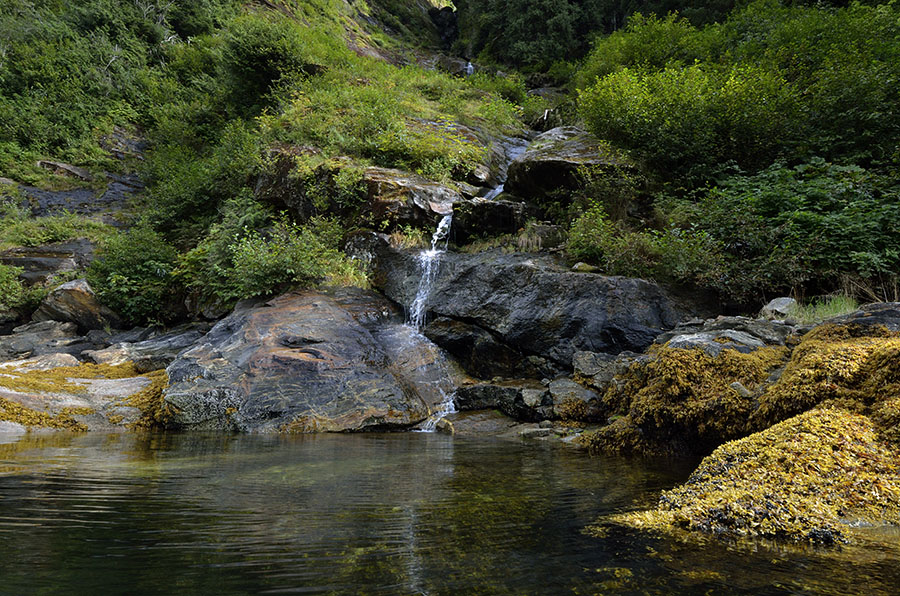 20150821 0265 walker cove small waterfall r