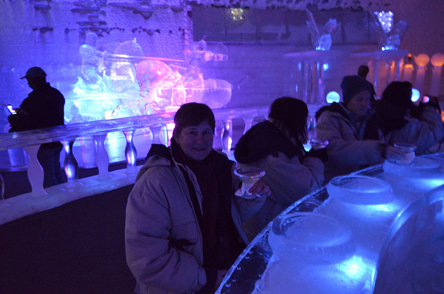 20150905 0715 chena ice museum rr at the ice bar r