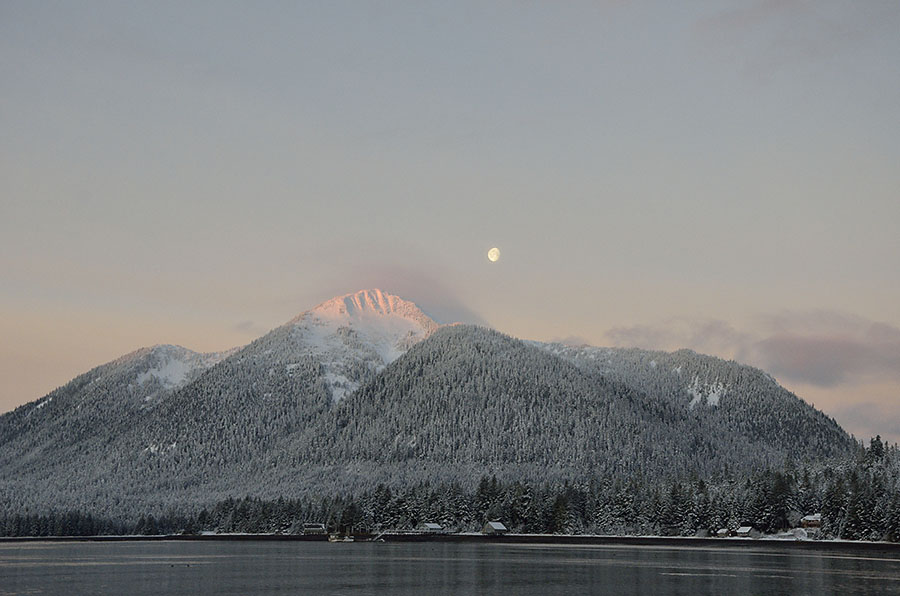 20151228 2262 bearclaw mtn moonset r
