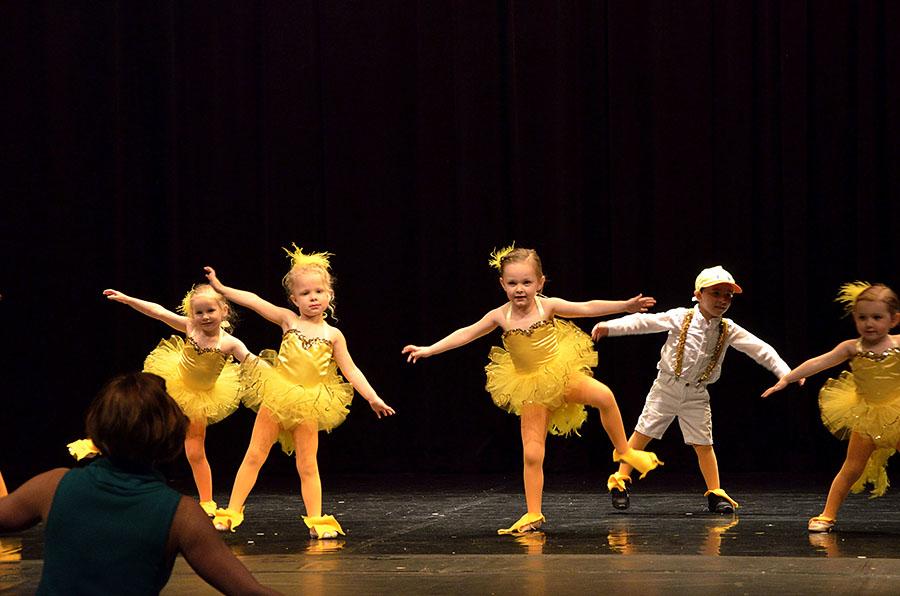 20160502 0583 dance just ducky r