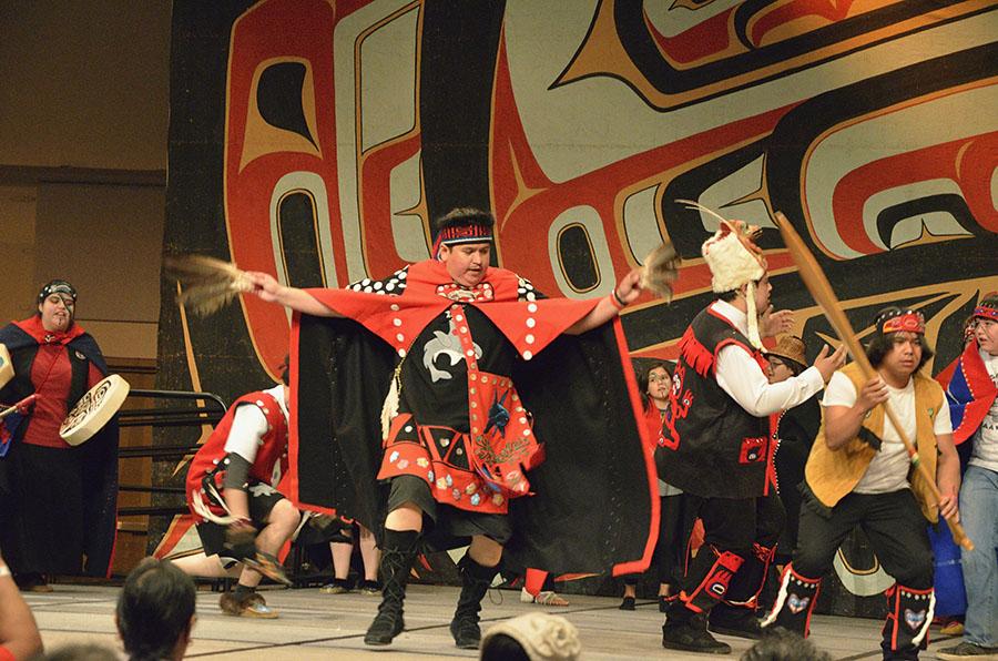20160609 1672 celebration eagle feathers dancer r