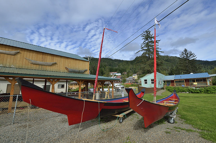 20160819-1140-hoonah-2-finished-log-canoes-2-r