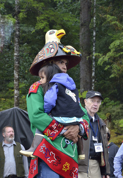 20160825-1554-th-eagle-hat-and-little-gal-r