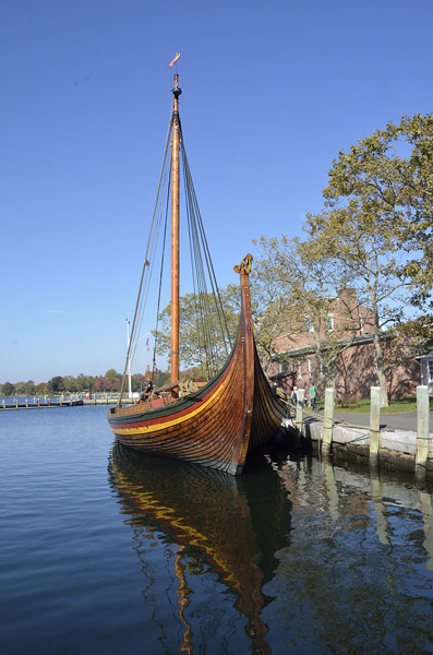20161018-2372-mystic-viking-ship-fwd-side-r