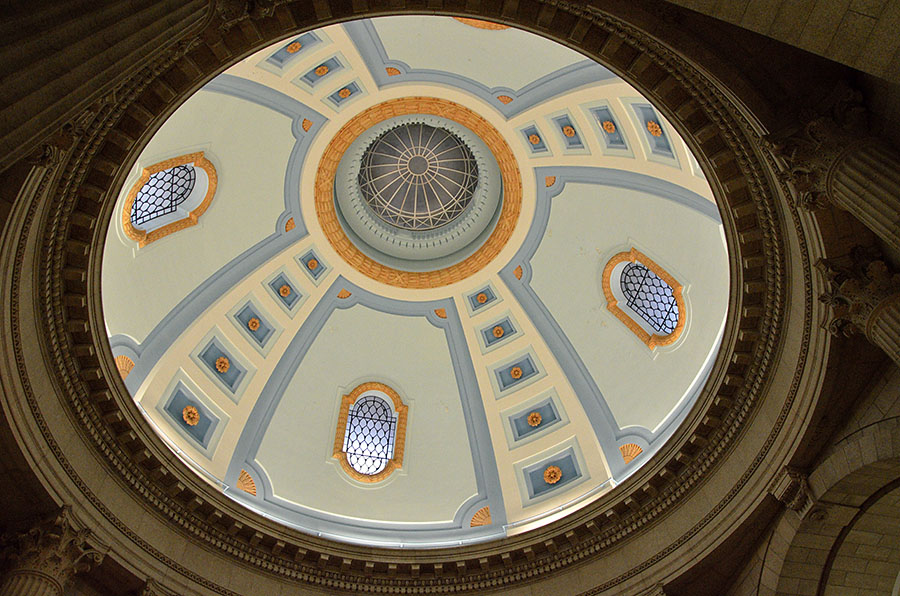 20161021-2441-winnipeg-legislature-ceiling-2-r