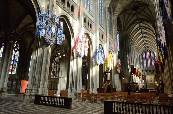 2012-09-15_623 orleans cathedral grand interior RESIZE